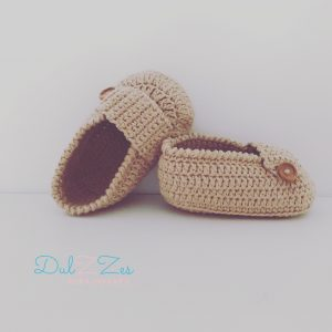 Dulzzes mocasines ganchillo camel ropa infantil hecho a mano